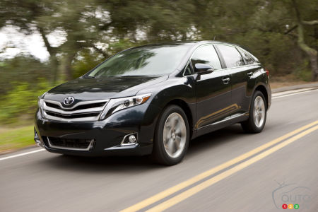 Toyota Recalling 373,000 Older Venzas Over Airbag Problem