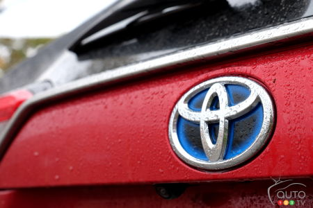 Toyota To Launch Two New U.S-Built 8-Passenger Hybrid SUVs, Including a Lexus