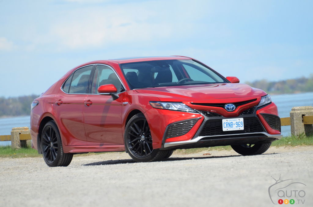 2021 Toyota Camry Hybrid Review: The Surest of Bets