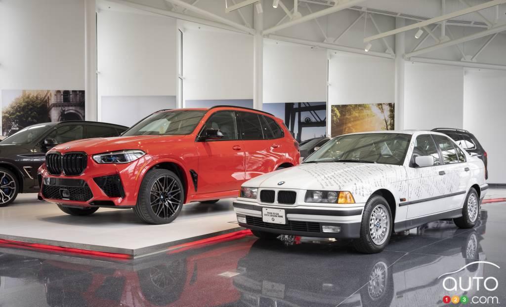 Le cinq millionième BMW produit à Spartanburg, à côté du premier