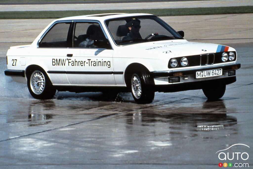 BMW 325i 1987, trois quarts avant