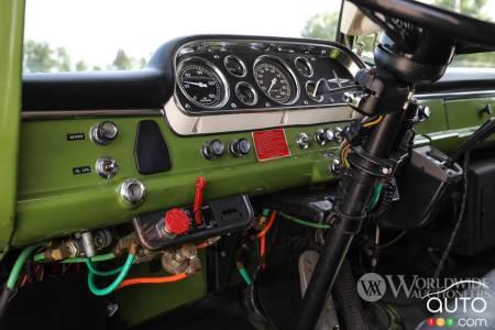The Camelot Cruiser, dashboard