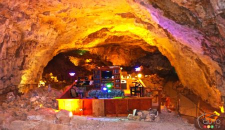 The Cavern Suite at the Grand Canyon Caverns & Inn