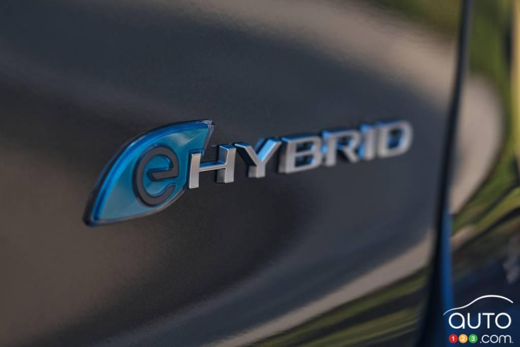 Chrysler Pacifica hybride, écusson