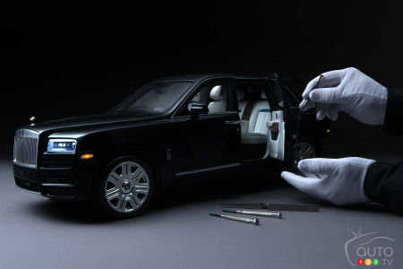 Scale model of the Rolls-Royce Cullinan, under repair
