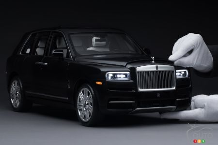 Scale model of the Rolls-Royce Cullinan, three-quarters front