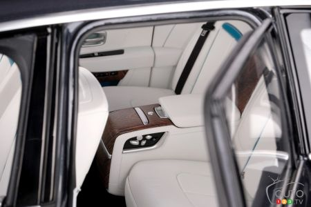Scale model of the Rolls-Royce Cullinan, back seat