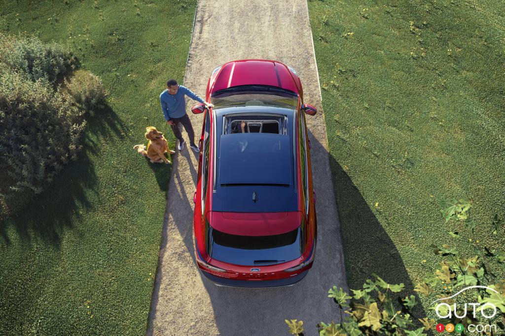Ford Escape hybride 2020, de haut