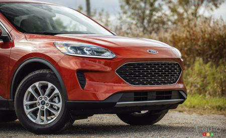 2020 Ford Escape, front grille
