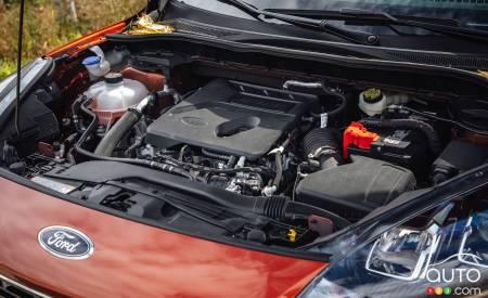 2020 Ford Escape SE, engine