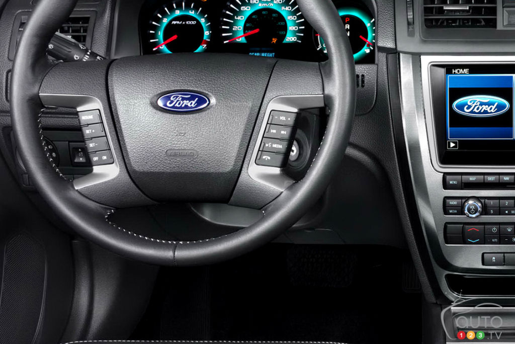 Ford Fusion 2010, volant
