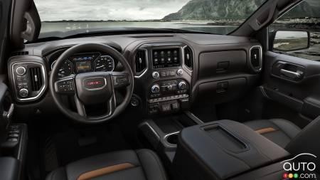 GMC Sierra AT4 Diesel, interior