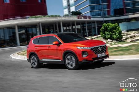 2020 Hyundai Santa Fe, on the road