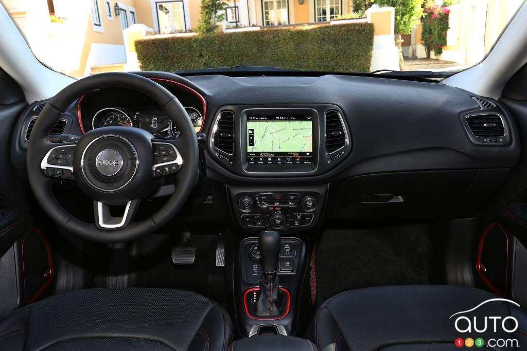 Jeep Compass Trailhawk 2020, intérieur