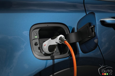 2021 Kia Sorento plug-in hybrid, charging port