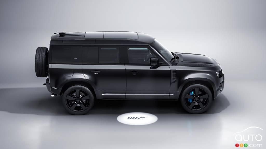Land Rover Defender James Bond Edition, profil