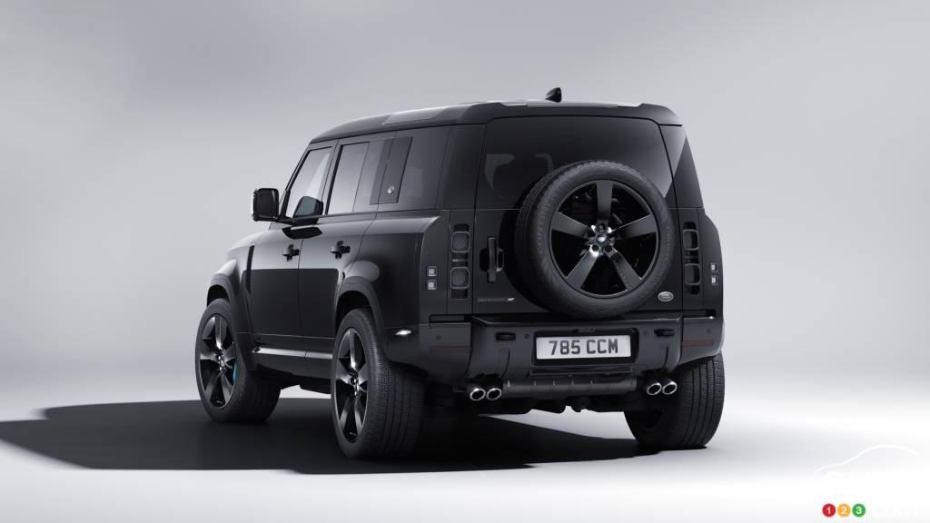 Land Rover Defender James Bond Edition, trois quarts arrière