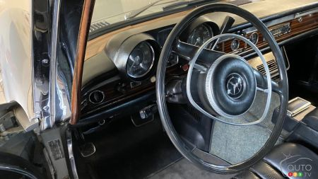 1969 Mercedes-Benz 600, steering wheel
