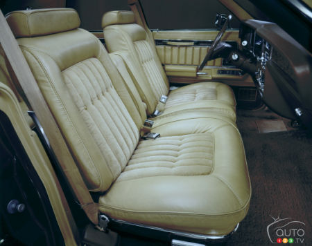 1975 Lincoln Town Car Continental, front row