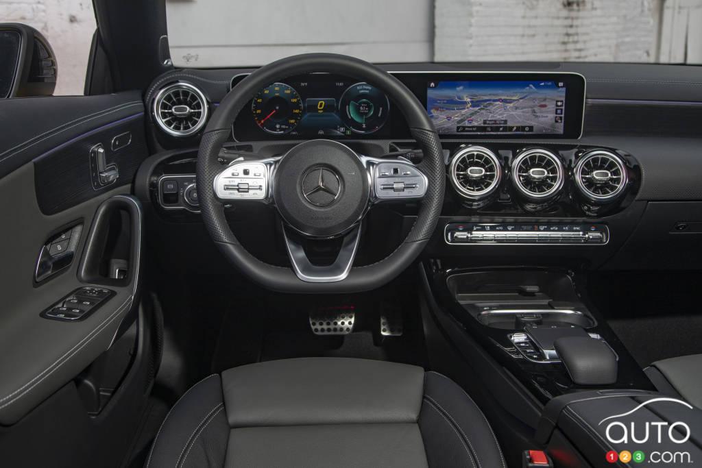 Mercedes-Benz CLA250, intérieur