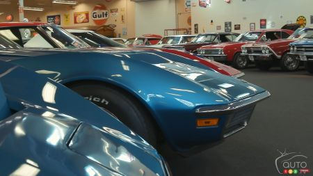The interior of Muscle Car City, img. 4