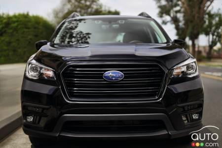 2022 Subaru Ascent Onyx, front