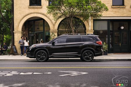 2022 Subaru Ascent Onyx, profile