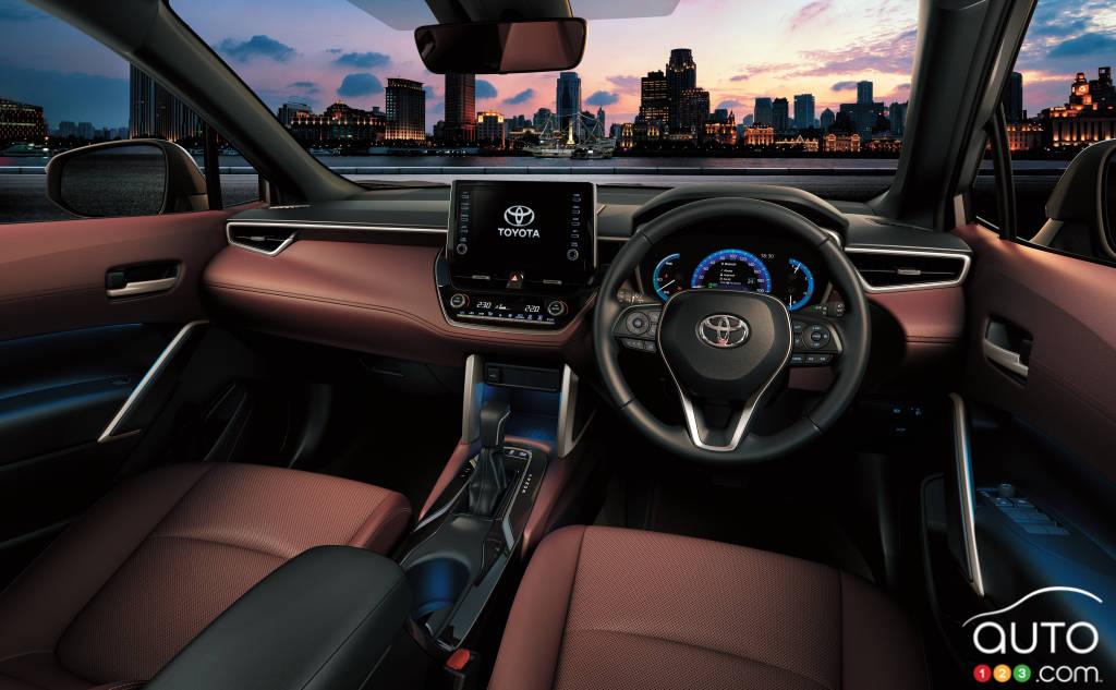 Toyota Corolla Cross 2021, intérieur