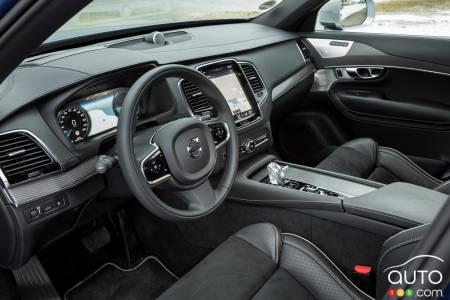 2020 Volvo XC90 T8 R-Design, interior