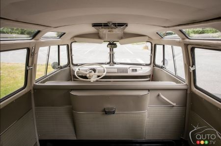 1962 Volkswagen Microbus at auction, interior