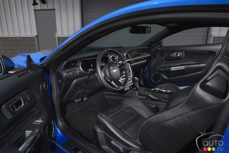 2021 Ford Mustang Mach 1, interior