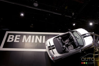 2013 MINI Cooper S Roadster JCW video preview at the Detroit auto show