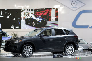 2013 Mazda CX-5 video from the Montreal Auto Show (french)