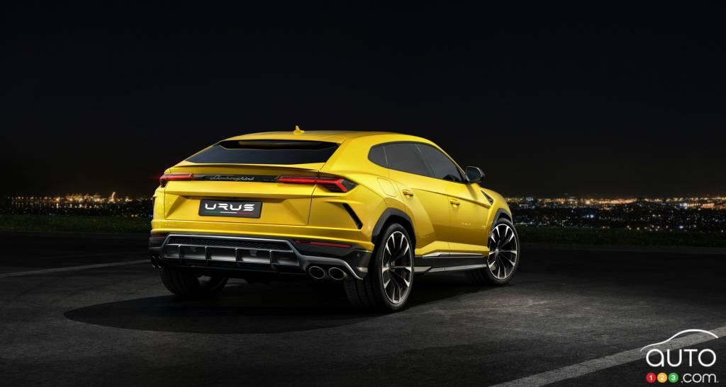 2019 Lamborghini Urus Debuts As The World S Fastest Suv Car News
