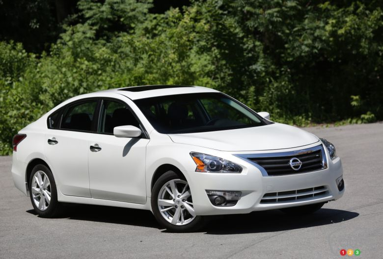 2014 Nissan Altima 2 5 Sv Pictures Auto123