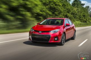 2016 Toyota Corolla S pictures