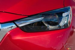 2016 Mazda CX-3 GT headlight