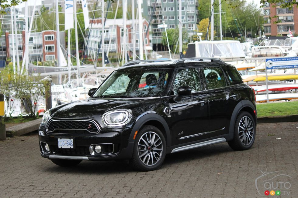 mini countryman 2017 plus d espace pour votre famille photo 26 de 31 auto123. Black Bedroom Furniture Sets. Home Design Ideas