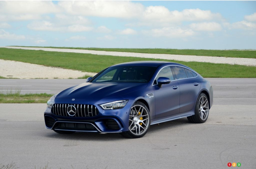 first drive of the 2019 mercedes amg gt4 coupe car reviews auto123. Black Bedroom Furniture Sets. Home Design Ideas