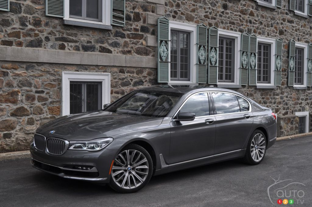 2016 bmw 750li xdrive really puts you in first class car reviews auto123. Black Bedroom Furniture Sets. Home Design Ideas