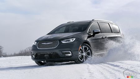 2021 Chrysler Pacifica pictures