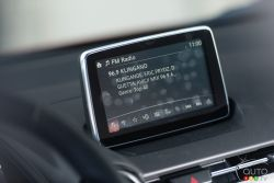 2016 Mazda CX-3 GT infotainement display