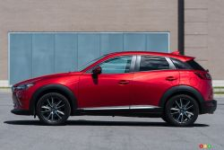 2016 Mazda CX-3 GT side view