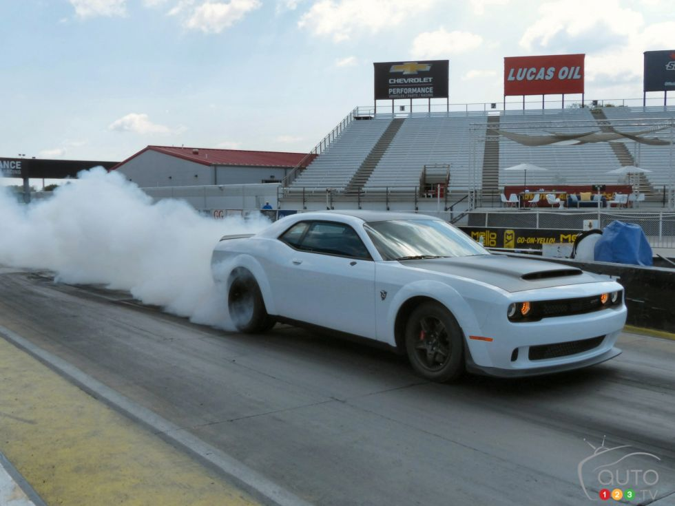 The 2018 Dodge Challenger Srt Demon And Other Srt Beasts Light Up The Track Photo 38 Of 79