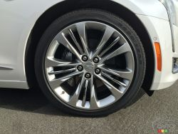 2016 Cadillac CT6 wheel