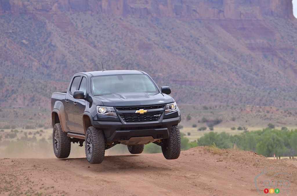 2017 chevy colorado zr2 the big leap car reviews auto123. Black Bedroom Furniture Sets. Home Design Ideas