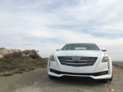 2016 Cadillac CT6 front view