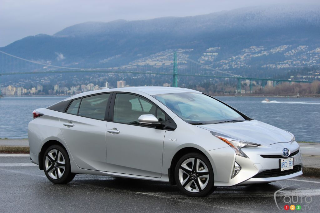2016 toyota prius first drive car news auto123. Black Bedroom Furniture Sets. Home Design Ideas