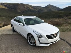2016 Cadillac CT6 front 3/4 view