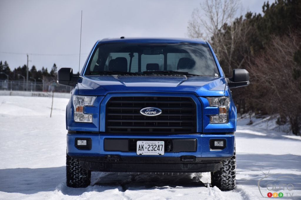 2015 ford f 150 xlt review editor 39 s review car reviews auto123. Black Bedroom Furniture Sets. Home Design Ideas